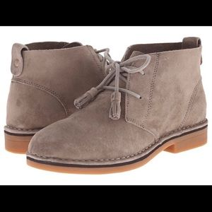 Hush Puppies Cyra Catelyn Chukka Boots- 10 wide